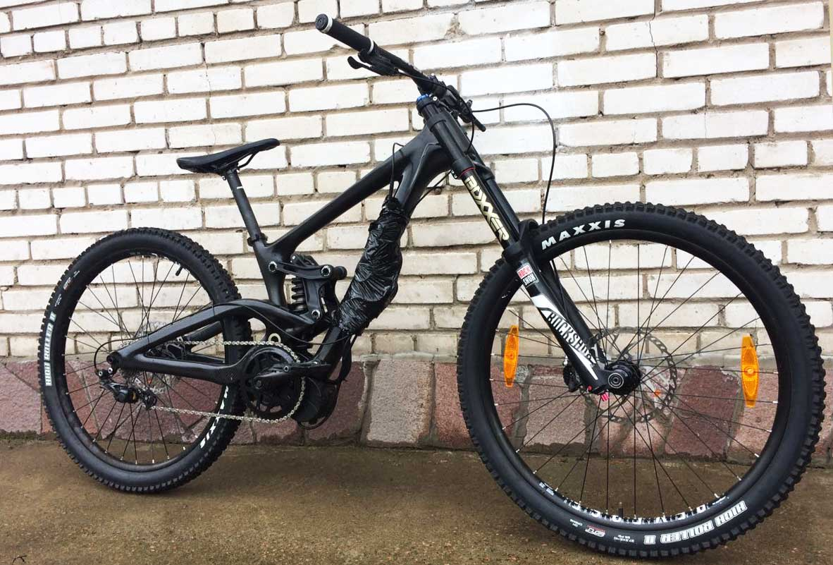 Carbon electric bike made in Carbon Lab | EvNerds