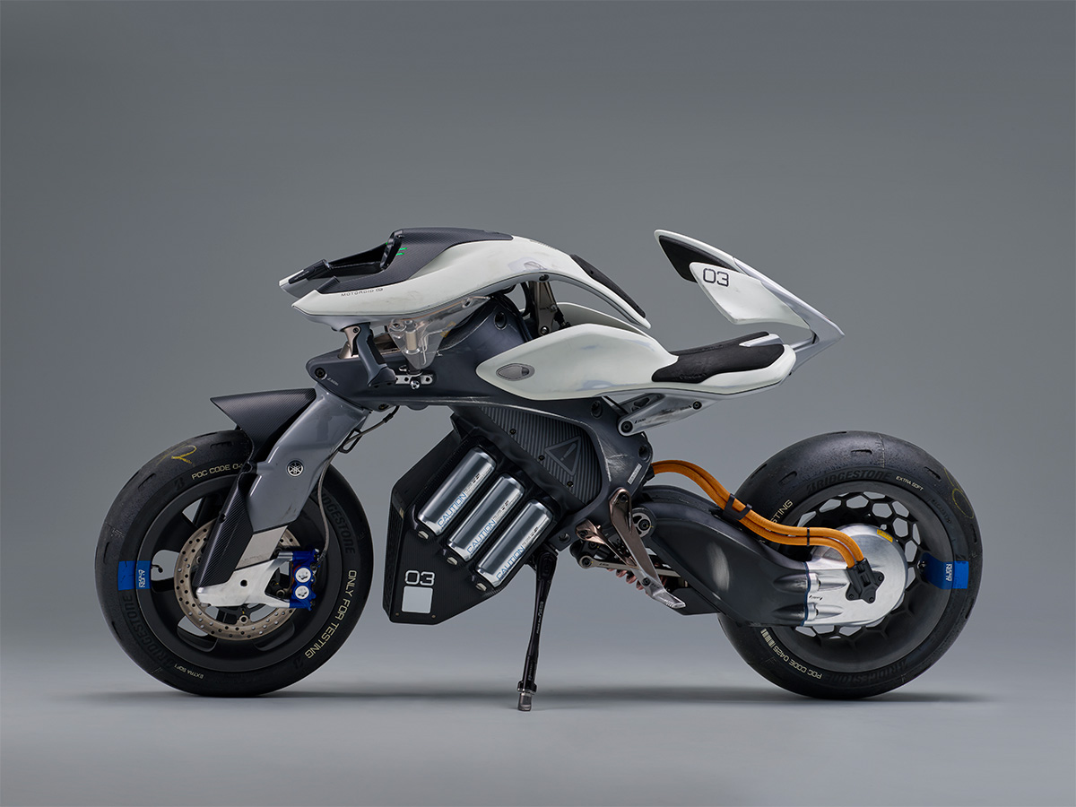 Motoroid leaning electric motorcycle by yamaha evnerds for Yamaha moter cycle