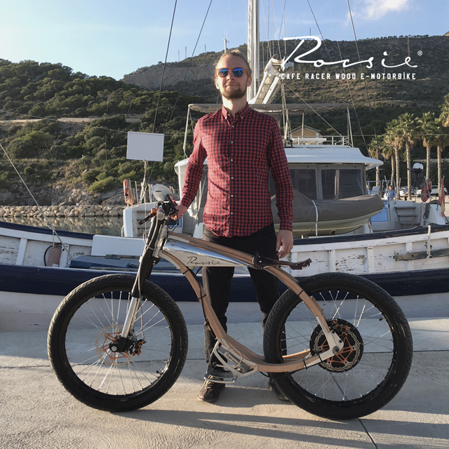 ROCSIE: the Wooden eMotorbike Cafe Racer will be out!