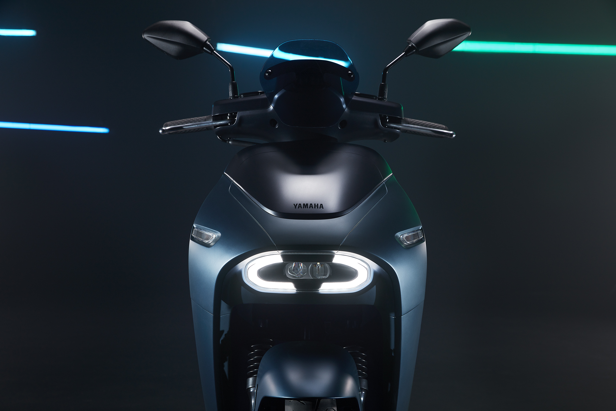 New YAMAHA EC-05 electric scooter with Gogoro battery sharing