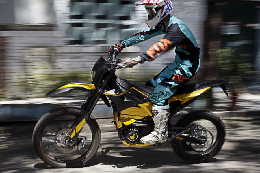 NEW 2019 SUR RON SuperMoto electric motorcycle !