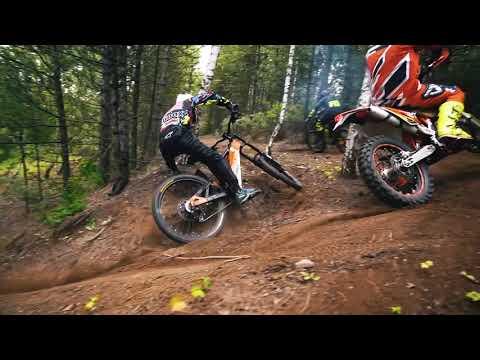 Boxxbike Valkyrie comparison with KTM moto enduro.